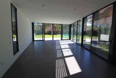 Новая вилла люкс с бассейном в 20 минутах от Барселоны